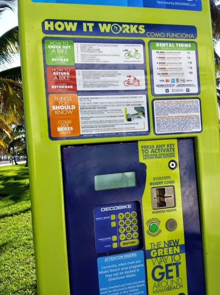 Máquina onde deve ser inserido o cartão