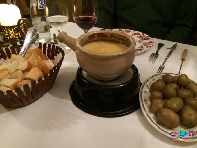 Fondue de queijo suíço